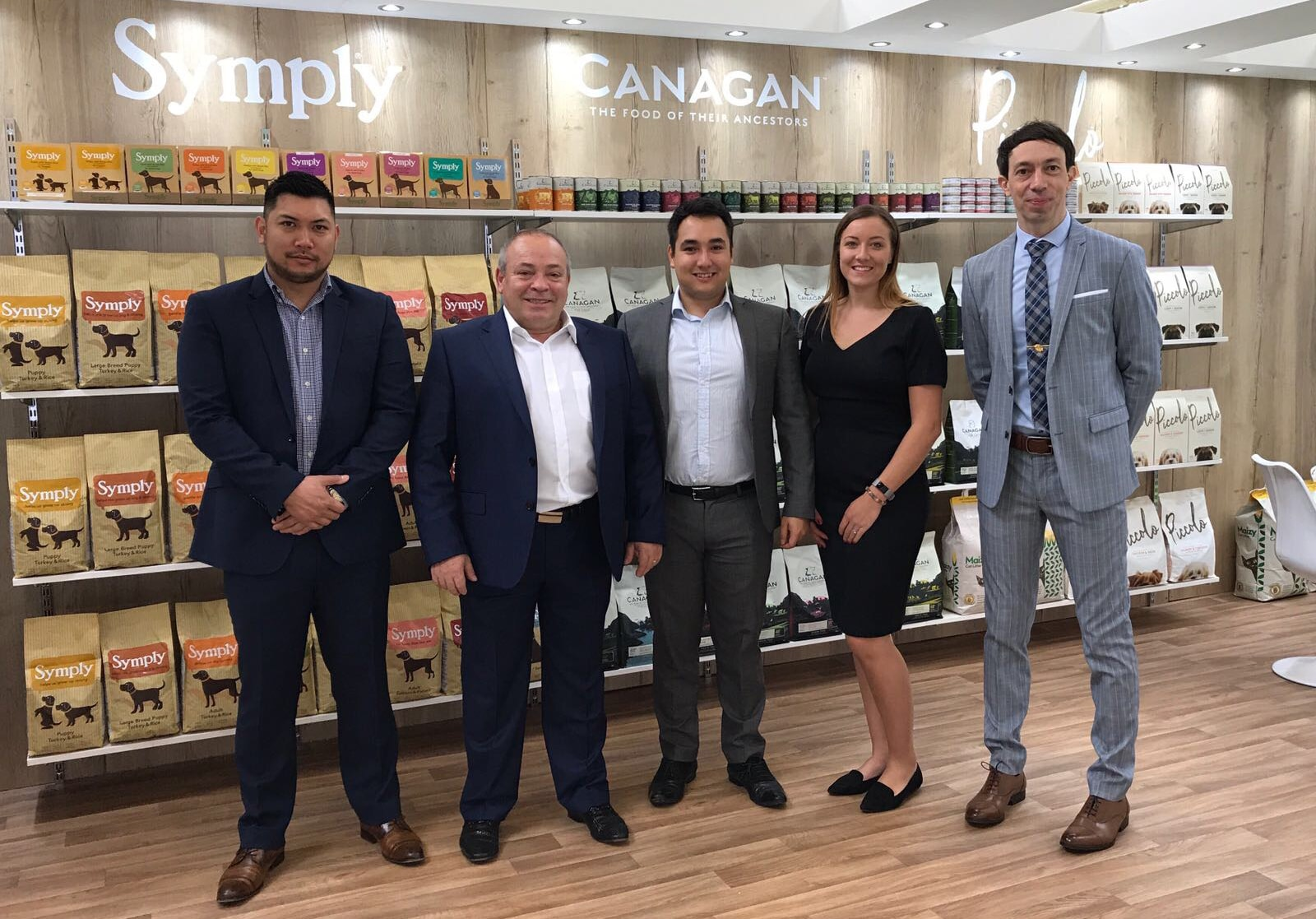 Canagan team and retailers